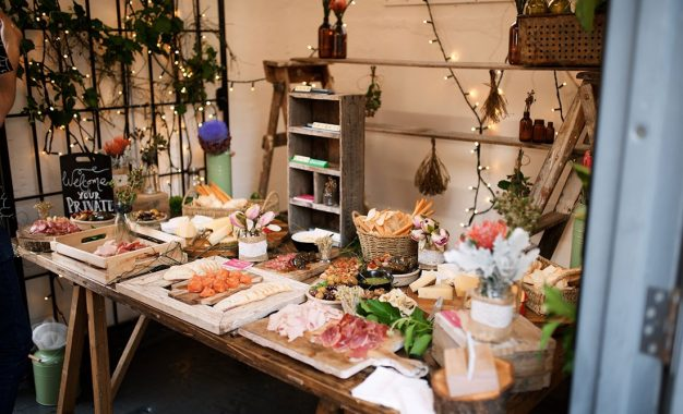 Top Food Trends To Consider When Hiring A Caterer For Christmas 2018